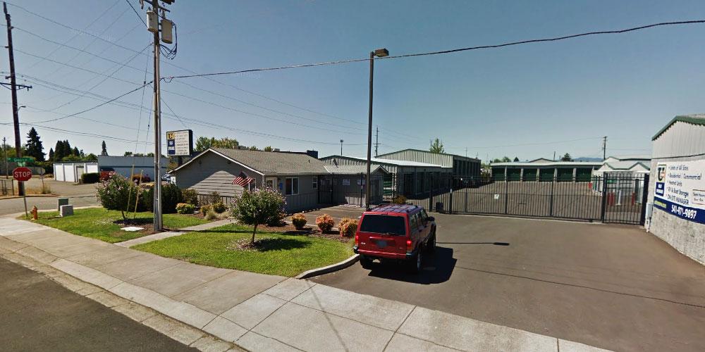 Albany Oregon Gutter Service. Gutter Installation, Gutter Repair, Gutter Guards, Gutter Protection, Gutter Cleaning.